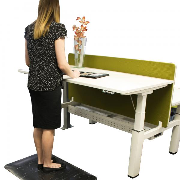 marble-foot-comfort-mat-at-standing-desk