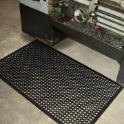 safety-cushion-mat-at-lathe