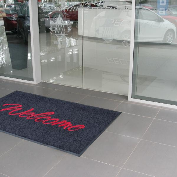 Welcome Mat Action HR